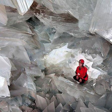 En el interior de la geoda de Pulpí