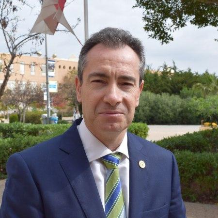 Jerónimo de Burgos, decano de la Facultad de Ciencias Económicas y Empresariales de la Universidad de Almería. Foto de Miguel Blanco
